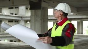 Manager der Arbeiten an der Baustelle stock video footage