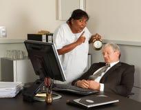 Manager, der ein Schlaefchen hält Stockbild