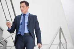 Manager, welche nach Netzdichte sucht Lizenzfreie Stockbilder