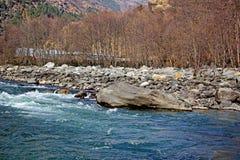 Manali的Beas河在印度 免版税库存照片