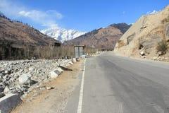 Manali all'alto modo di Ladakh. Fotografia Stock Libera da Diritti