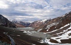 Manali - Leh väg i Jammu and Kashmir, Indien Arkivbild