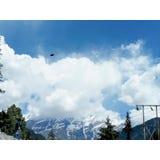 Manali Nuvens Tempo Manali desengate feriado nave fotografia Curso branco azul pássaros naughty imagem de stock