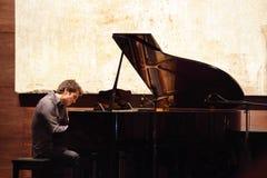 Estallido Zade Dirani del piano en Bahrein Imágenes de archivo libres de regalías