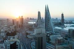 Manama miasto przy zmierzchem, Bahrajn fotografia stock