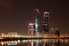 Manama på natten. Bahrain Fotografering för Bildbyråer