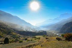 Manang村庄, Manang -安纳布尔纳峰地区,尼泊尔 免版税图库摄影