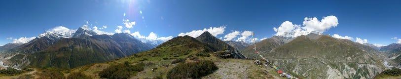从Manang的观点,尼泊尔的安纳布尔纳峰范围360°panorama 库存照片