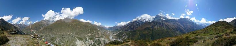 从Manang的观点,尼泊尔的安纳布尔纳峰范围360°panorama 免版税库存照片