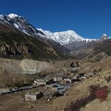 Manang and Tilicho Peak Royalty Free Stock Photos