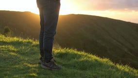 Mananseende på berget lager videofilmer