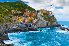 Manarola村庄,在意大利的五乡地海岸, 6月20日 库存照片