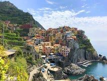 Manarola i Cinque Terre i Italien royaltyfri fotografi