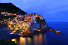 Manarola na noite, Itália Imagens de Stock Royalty Free
