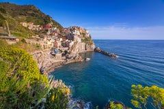 Manarola stad på det Ligurian havet Arkivbilder