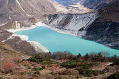 manaslu dolna glacjalna jeziorna góra Nepal Zdjęcie Royalty Free
