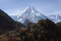 Manaslu a montanha dos espírito fotos de stock royalty free