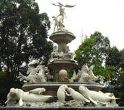 Manatee, cavallo e statua di angelo sul monumento Fotografie Stock Libere da Diritti
