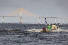 MANAUS BRASILIEN, OKTOBER 17: Den Manaus Iranduba bron royaltyfri bild