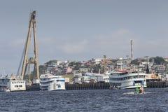 MANAUS, BRAZILIË - OKTOBER 2013: Industrieel schip in de haven van Manaus Royalty-vrije Stock Fotografie