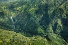 Manawaiopuna cai quedas de Jurassic Park fotografia de stock royalty free