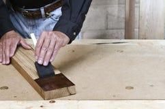 Mancha de cepillado del artesano en la castaña americana Imágenes de archivo libres de regalías