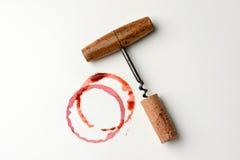 Mancha del vino y sacacorchos de la antigüedad Imágenes de archivo libres de regalías