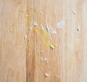 Mancha do bolo em de madeira Imagens de Stock Royalty Free