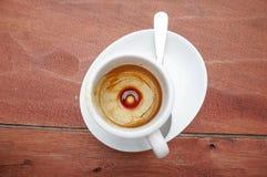 Mancha do café no copo de café vazio do café Imagem de Stock Royalty Free