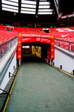 MANCHESTER, ENGELAND - FEBRUARI 17: Tunnel in Oud Trafford-stadion op 17 Februari, 2014 in Manchester, Engeland Stock Afbeelding