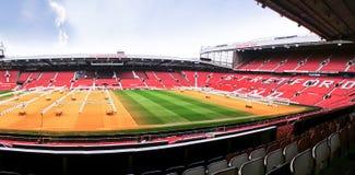 MANCHESTER ENGLAND - FEBRUARI 17: Gammal Trafford stadion på Februari 17, 2014 i Manchester, England Royaltyfri Bild
