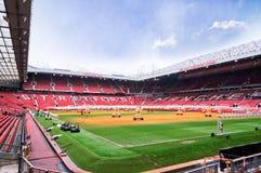 MANCHESTER ENGLAND - FEBRUARI 17: Gammal Trafford stadion på Februari 17, 2014 i Manchester, England Royaltyfria Bilder