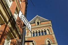Manchester, Groter Manchester, het UK, Oktober 2013, Canal Street in het vrolijke dorp van Manchesters stock foto's