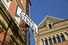 Manchester, Groter Manchester, het UK, Oktober 2013, Canal Street in het vrolijke dorp van Manchesters stock afbeeldingen