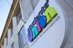 Manchester, Groter Manchester, het UK, Oktober 2013, mening van studentenvereniging signage voor de Universiteit van Manchester stock afbeelding