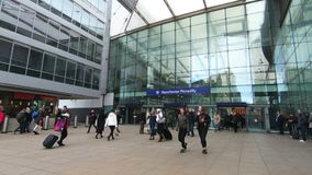 Manchester Piccadilly Station in Northern England. Passengers entering and leaving Manchester Piccadilly Station in Northern England hd, 30fps stock video