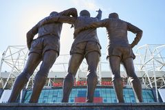 Manchester UK - 4 Maj 2017: Yttersida av Manchester Unitedfotbollsarena Royaltyfri Bild