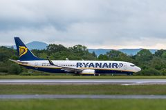 MANCHESTER UK, 30 MAY 2019: Ryanair Boeing 737 flight FR3218 to Milan takes off on runway 23L at Manchaester Airport.  royalty free stock photos