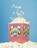 Mand Popcorn Stock Afbeelding