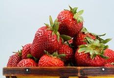 Mand van aardbeien royalty-vrije stock foto