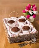 Mand van Cakes Stock Foto's