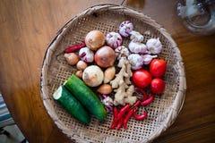 Mand van groenten hierboven worden gezien die van Stock Fotografie