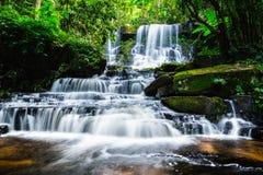 Mandaeng Таиланд водопада, человек Daeng Стоковые Изображения RF