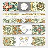 mandala Bannière avec un modèle fait main dans de rétros couleurs Image stock