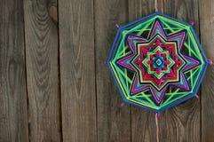 Mandala coloré de fil avec l'espace libre pour le texte photographie stock libre de droits