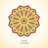 Mandala coloré ornemental sur le fond beige Geometr élégant Photographie stock libre de droits