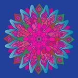 Mandala cor-de-rosa brilhante no fundo azul Elemento redondo Imagem de Stock Royalty Free