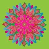 Mandala cor-de-rosa e azul brilhante no fundo verde Imagem de Stock Royalty Free