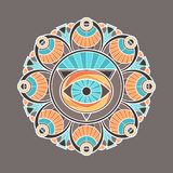 Mandala décoratif coloré avec un oeil de providence au milieu Images libres de droits