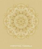 Mandala de la Navidad con los elementos decorativos de los días de fiesta en beige Fotos de archivo libres de regalías
